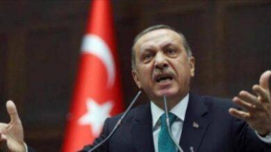 صورة اردوغان يهاجم ماكرون علي تصريحات المسيئة نحو العداء الإسلامي